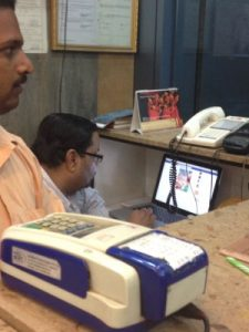 The owner of a Pani Puri snack food joint in Bangalore 'busy' with Facebook